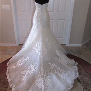 Wedding Gown. Size 12
